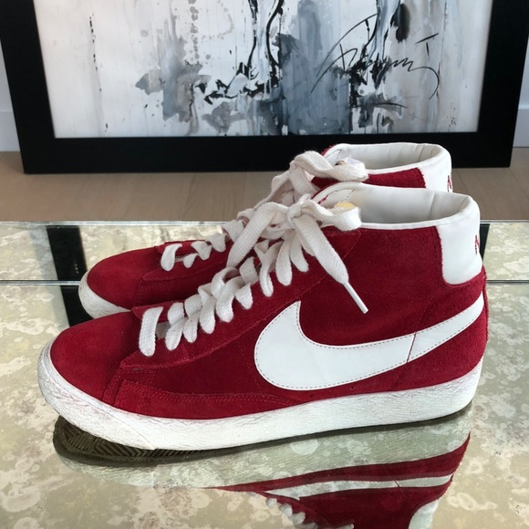 4945fdf09d56e9 Nike SB Bruin Red High Top Sneakers Size 8. M 5ae10c0bb7f72b6cc00f1adb.  Other Shoes you may like